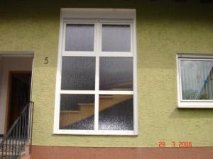 schreinerei schwanitz 67273 herxheim am berg austausch von glasbausteinen. Black Bedroom Furniture Sets. Home Design Ideas